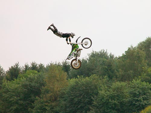Freestyle Stunt auf der Stuntshow in Harsewinkel
