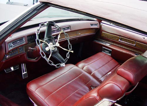 Kettenlenkrad im Cadillac Eldorado