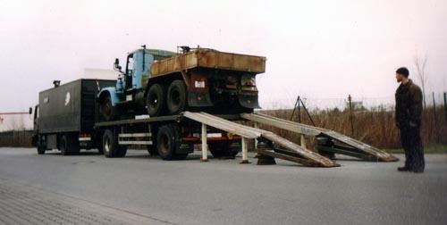 LKW wird transportiert