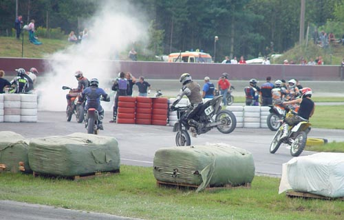 Burnout beim Supermoto