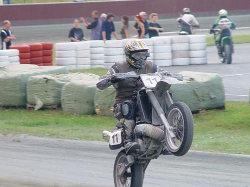 Supermoto Wheelie