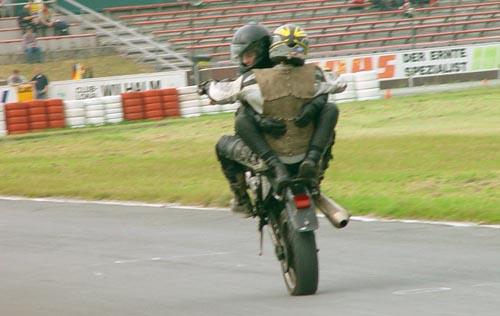 Wheelie zu Zweit