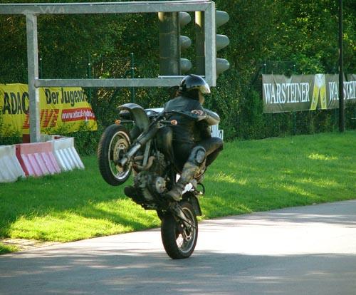Wheelie auf dem ADAC-Gelände